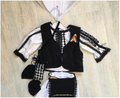 Costume traditionnel pour enfant jusqu'à 1 an - fille