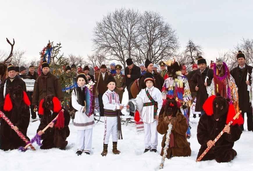 Traditions de Noël en Roumanie: l'ours et la chèvre